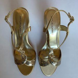 ARTUROCHIANG Gold Heels.